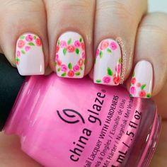 Diseños de Uñas en color Rosa 5