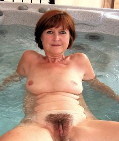Natural married woman nudes