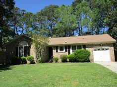 116 Sandra Lane,  Ladson, SC 29456 < $127,500 > Lot Area: 1,300sq.ft I  3 Bedroom I 2 Baths I Brick - Veneer, Living Room FirePlace