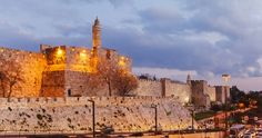 Visiting the Old City of Jerusalem is like travelling to a mystical, magical new world. Long considered one of the world's holiest and most visited locations. Kingdom Of Jerusalem, Jerusalem Israel, East Jerusalem, 3 Days Trip, 8 Days, Visit Israel, Dome Of The Rock, Israel Travel, Holy Land