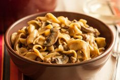 Captured-One-Pot Beef Stroganoff with Egg Noodles Recipe - Chowhound Hamburger Stroganoff, One Pot Beef Stroganoff Recipe, Meatball Stroganoff, Mushroom Stroganoff, Egg Noodle Recipes, Beef Recipes, Pasta Recipes, Dinner Recipes, Cooking Recipes