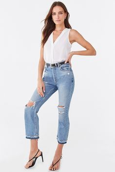 Forever 21 Top Affordable Tops reasonablyrebecca V Neck Tank Top, Affordable Clothes, Vintage Style Outfits, New Dress, Latest Trends, Kids Outfits, Fitness Models, Forever 21, Fashion Outfits