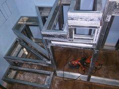Escalera steel frame con descanso compensados