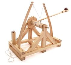 This wooden catapult kit recreates the design the Leonardo da Vinci came up with when he was trying to improve upon the models in use 400 years earlier. Da Vinci Inventions, Wooden Model Kits, Engineering Toys, Model Maker, Magazines For Kids, Top Toys, Fortification, Stem Activities, Creative Kids