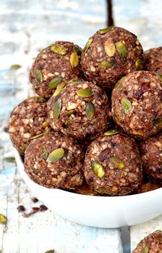 Almond Energy Balls with Dried Fruits — Del's cooking twist Almond Energy Balls with Dried Fruits — Del's cooking twist Healthy Food Habits, Healthy Snacks, Healthy Recipes, Juice Recipes, Raw Balls, No Bake Energy Bites, Energy Bars, Healthy Carrot Cakes, Strawberry Smoothie