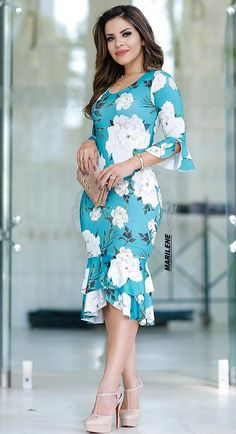 Casual Gowns, Traditional African Clothing, Coral Maxi Dresses, Blouse Designs Silk, Looks Chic, Dress And Heels, Dress Patterns, Plus Size Fashion, Designer Dresses