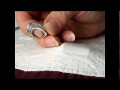 Hand Quilting with Esther Miller - needleslide technique and fitting - YouTube