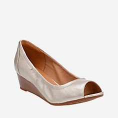 Vendra Daisy Gold Metallic Leather - Women's Wedges - Clarks® Shoes  Official Site