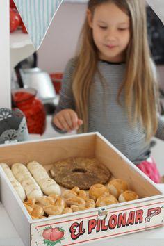 Kodin Kuvalehti – Blogit | Ruususuu ja Huvikumpu – Tee itse talven paras huulirasva Play Houses, Diy And Crafts, Breakfast, Pink, Food, Morning Coffee, Eten, Meals, Roses