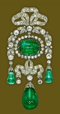 Belle Epoque brooch with magnificent colombian emeralds--Cartier ♥ ♥ Please feel free to repin ♥♥
