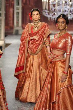 Tarun Tahiliani at India Couture Week 2016 Indian Bridal Lehenga, Indian Bridal Outfits, Indian Bridal Wear, Indian Gowns, Indian Attire, Indian Wear, Nikkah Dress, Pakistani Dresses, Bridal Lehenga Collection