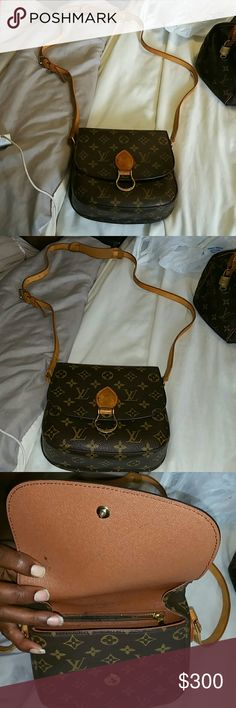 100% Authentic Louis Vuitton bag ( broken strap) Messenger bag Louis Vuitton Bags Crossbody Bags
