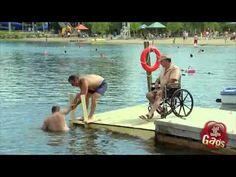 Broma del discapacitado que se cae al agua - Videos de humor