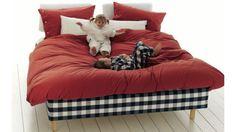 Marquis, um sono 100% Hästens (23-30MAR). hastens.melhorcamadomundo.com instagram.com/hastensportugal Bean Bag Chair, Portugal, Bed, Furniture, Instagram, Home Decor, Sleep, Decoration Home, Stream Bed