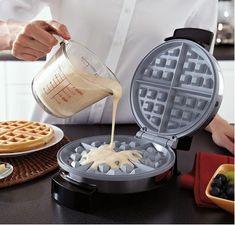 Vintage Griswold Quot American No 8 Quot Cast Iron Waffle Maker