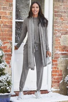 The ultimate loungewear choice, with a touch of cashmere for added luxury.