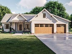 050H-0304: Ranch House Plan with Craftsman Flair House Plans One Story, Ranch House Plans, New House Plans, Small House Plans, 1 Story House, One Story Houses, Farmhouse Floor Plans, Modern Farmhouse Exterior, Farmhouse Style