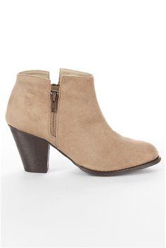 Botine,+bej Booty, Ankle, How To Wear, Shoes, Fashion, Moda, Swag, Zapatos, Wall Plug