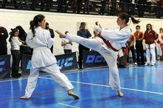 Constănţeanca Iris Uţă, campioană mondială! Romania, Art Girl, Martial Arts, Iris, Sport, Deporte, Sports, Combat Sport, Bearded Iris