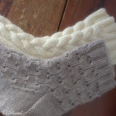 Simple lace socks worked in thick yarn makes knitting fun and interesting and of course they are lovely to wear as well! Lace Socks, Crochet Socks, Wool Socks, Knit Mittens, Knit Crochet, Lace Knitting, Knitting Socks, Knitting Stitches, Quick Knits
