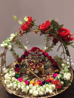 Krishna & aura of divinity Radha Krishna Wallpaper, Shiva Wallpaper, Radha Krishna Images, Lord Krishna Images, Janamashtami Decoration Ideas, Arti Thali Decoration, Decorations, Little Krishna, Krishna Love