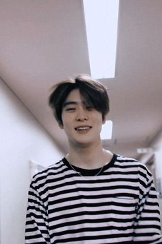 Korea Boy, Jung Yoon, Valentines For Boys, Jung Jaehyun, Jaehyun Nct, Nct Taeyong, Slender Man, Jisung Nct, Winwin