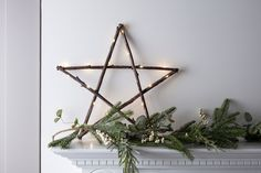 hannel a magical Scandi woodland with our elegant wooden star! Hang in windows, on walls or prop on your mantlepiece, this pretty piece introduces a wonderful warm white glow.