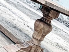 Restyle XL maakt prachtige houten tafels op maat. Als u een bijzondere houten tafel zoekt kunt u deze door ons helemaal naar uw smaak en wensen laten maken. Met een brede keuze in het soort oud hout, kleuren, afwerkingen en onderstellen of tafelpoten, bent u bij ons op het juiste adres. http://www.restylexl.nl/houten-tafel-op-maat/