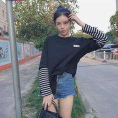 Top Shirt Femme 2018 Autumn Woman Clothes Korean Style Harajuku Print Striped Patchwork Long Sleeve T-shirt Women Fashion Tees K Fashion, Fashion Outfits, Asian Fashion, Fashion Tips, Outfits With Striped Shirts, Girl Outfits, Cute Outfits, Fresh Outfits, Layering Outfits