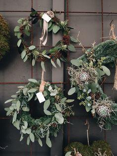 Höstkransar på armeringsjärn #ljungsträdgård / Autumn wreaths