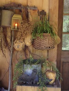 Primitive porch-I can so see this. Primitive Fall, Primitive Homes, Primitive Antiques, Country Primitive, Primitive Decor, Primitive Christmas, Prim Decor, Country Decor, Rustic Decor