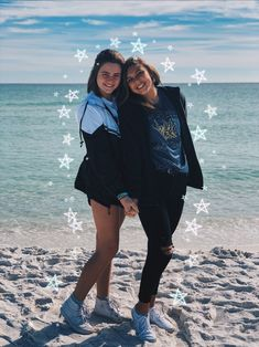 Vsco-Insta-Pin : ellieprados beach friends, friends in love, friend pics Poses For Pictures, Bff Pictures, Beach Pictures, Bff Goals, Best Friend Goals, Beach Friends, Friends In Love, Bffs, Bestfriends
