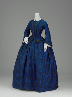 American Day dress at the Museum of Fine Arts, Boston - This is a gorgeous shade of blue, if I may say so myself. - Visit to grab an amazing super hero shirt now on sale! Victorian Gown, Victorian Fashion, Vintage Fashion, Antique Clothing, Historical Clothing, Historical Dress, Women's Clothing, Vintage Gowns, Vintage Outfits