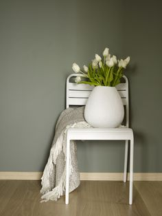Indoor Paint, Nightstand, Paint Colors, Christmas Diy, Ikea, Entryway, Wall, House, Painting