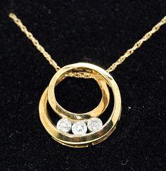 10K Yellow Gold & Diamond Circle Pendant - Ring-A-Ding.com