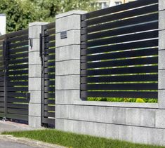 Modular fence system ROMA Classic - Concrete fences - producer of fences, posts, blocks and hollow bricks - JONIEC backyard design diy ideas House Fence Design, Wood Fence Design, Modern Fence Design, Privacy Fence Designs, Concrete Design, Concrete Fence Wall, Brick Fence, Classic Fence, Backyard Layout