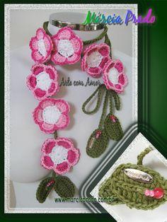 floral scarf - notice her metal label!