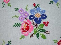 Hand painted needlepoint canvases, including sea scapes, flowers, geometrics and xmas. Cross Stitch Heart, Cross Stitch Borders, Cross Stitch Animals, Cross Stitch Flowers, Cross Stitch Patterns, Needlepoint Designs, Needlepoint Stitches, Needlepoint Canvases, Floral Embroidery