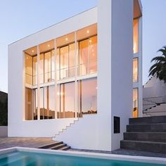 Pineda House by OAB - Borja & Lucía Ferrater Photograh: Joan Guillamat Product: Vitrocsa TH+ Sliding doors Partner: E. Plantalech  #vitrocsa #swissmade #instahouse #theminimalistwindow #theoriginal #since1992 #architecture #design #minimal #project #barcelona #architect #oab #photograph #joanguillamat #vitrocsathplus #vitrocsaslidingdoors #plantalech #vitrocsaspain #celebrating25thanniversary