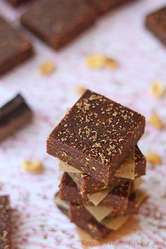 Peanut butter and chocolate bars made healthier with no sugar added, naturally gluten free and vegan. Recipe from Roxanashomebaking.com
