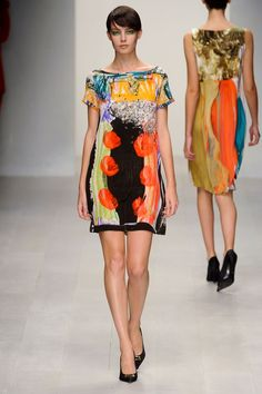 Antoni and Alison S/S 13. Painting on dresses! | Art Meets Fashion ...