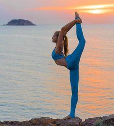 Inspired Repost: @yogainspiration Sunset #yoga @neyu_ma & @aloyoga #yogafitness #yogaeverywhere #yoga #yogapants #yogaholic #yogainspiration #yogaddict http://ift.tt/2ge7rTc
