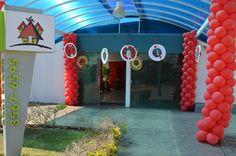 visão da entrada da festa