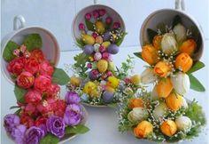 Taza flotante con cascada de flores