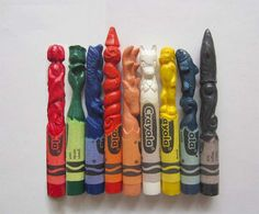 Si no conoces a los personajes te aconsejo que los busques en Google, no imaginas lo parecidos que son... ¡con solo crayolas!