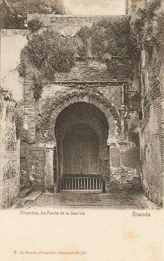 Imagen antigua de La Alhambra | Puerta de la Justicia Granada Spain, Andalucia, Moorish, Old Pictures, Art And Architecture, Barcelona Cathedral, Taj Mahal, Arabesque, Building