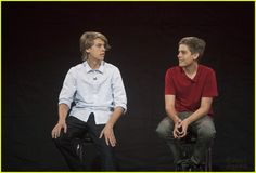 Dylan & cole sprouse get 'random' with tiffany thornton Dylan Sprouse, Sprouse Bros, Cole Sprouse Hot, Cole Sprouse Funny, Dylan Y Cole, Dylan O'brien, Lili Reinhart, Tiffany Thornton, Even Stevens