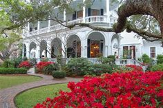 Two Meeting St. Inn, at the Battery in Charleston, SC.  I have never stayed there, but it is definitely on my bucket list.  Anyone who has never visited Charleston is missing an amazing place!!