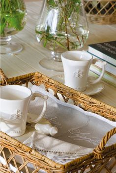 Breakfast Basket, Breakfast In Bed, White Cottage, Cozy Cottage, Home Decoracion, Basket Tray, Love Your Home, Cozy Bed, French Country Decorating