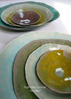 Soft coloured ceramic plates - Galerie Iroha click now for info. Ceramic Tableware, Ceramic Clay, Ceramic Bowls, Ceramic Pottery, Pottery Art, Sculptures Céramiques, Pottery Classes, Ceramic Design, Plates And Bowls
